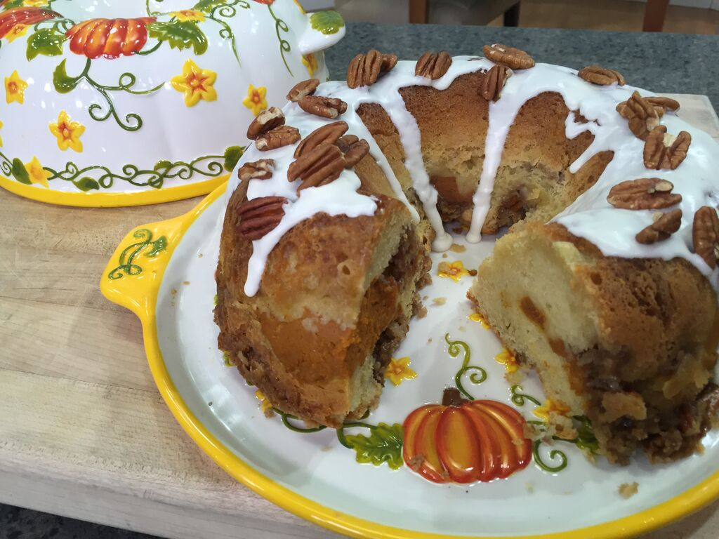 Sour Cream-Pumpkin Coffee Cake | temp-tations® by Tara