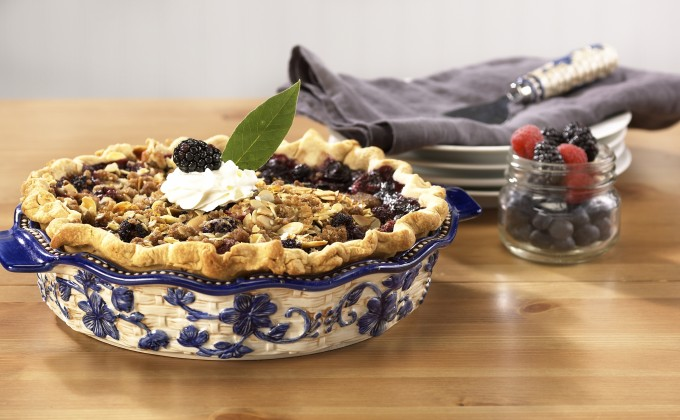 Mixed Berry Pie with Streusel Topping | temp-tations® by Tara